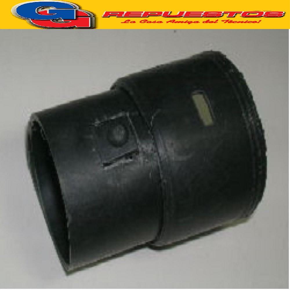 ACOPLE A MAQUINA MANGUERA  ASPIRADORA ULTRACOMB PIONERO C/BOTON M/VIEJO 67 mm INTERIOR MANGUERA , 57 mm EXTERIOR PARTE MAQUINA